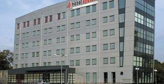 Hi Hotel Lechicka - Poznan - Byggnad
