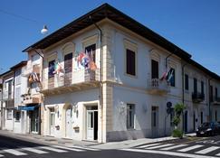 La Petite Maison - Viareggio - Edificio