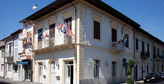 Hotel La Petite Maison - Viareggio - Edificio