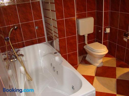 Hotel Vila Ariston - Osijek - Bathroom