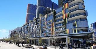 Barangaroo Home With Waterview - Sydney - Building