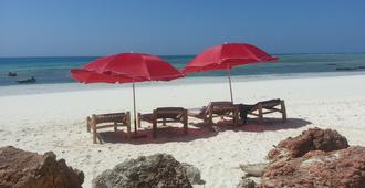 Ebony & Ivory Bungalows - Nungwi - Playa