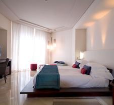 雷迪森宮殿渡假酒店加海水浴