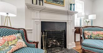 Brockett House - A Poshabodes Luxury Property - Alexandria - Sala