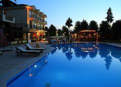 哈曼酒店 - 費特希耶 - 費特希耶 - 游泳池