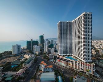 Vinpearl Condotel Empire Nha Trang - Nha Trang - Building