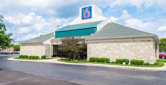 Motel 6 Columbus OSU - Columbus - Toà nhà