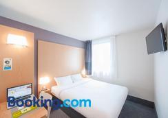 B&B Hôtel NIORT Marais Poitevin - Niort - Bedroom