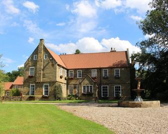 Manor House Hotel at Pinchinthorpe - Guisborough - Gebouw