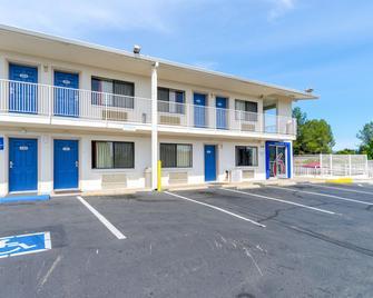 Motel 6 Redding Central - Redding - Edificio