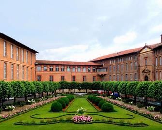 The Originals City, Hôtel Le Sextant, Toulouse Sud (Inter-Hotel) - Labège - Building