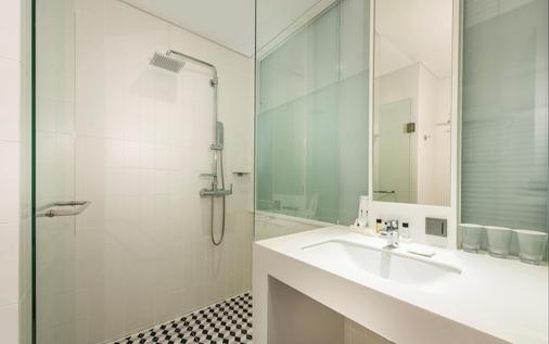 佩托江南酒店 - 首爾 - 浴室