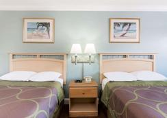 Super 8 by Wyndham Ft Walton Beach - Fort Walton Beach - Bedroom