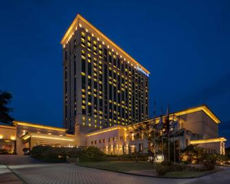 Radisson Blu Cebu - Cebu City - Building