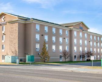 Comfort Inn & Suites - Airdrie - Edificio