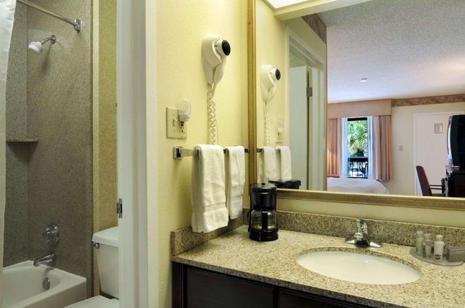 達拉哈西貝蒙特套房酒店 - 塔拉哈西 - 塔拉哈西 - 浴室