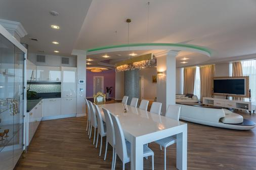 Nemo Resort & Spa Hotel - Odesa - Dining room