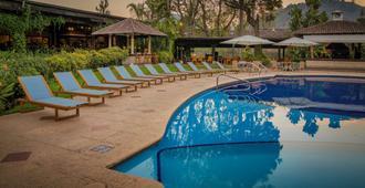Porta Hotel Antigua - אנטיגואה גוואטמלה - בריכה