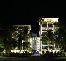 Cowrie Shell Beach Apartments