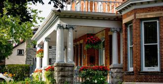 The Secret Garden B&B Inn - Kingston - Building