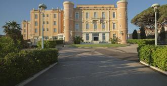 Langley Resort Napoléon Bonaparte - Л'Иль-Русс - Здание
