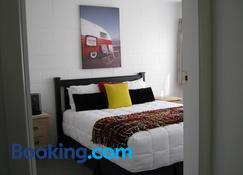 Harbour Inn - Whangamata - Schlafzimmer