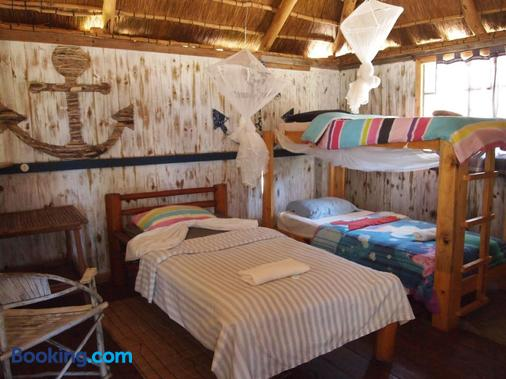 Baobab Beach Resort and Backpackers - Vilanculos - Bedroom