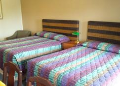 Holiday Lodge - Port Angeles - Bedroom