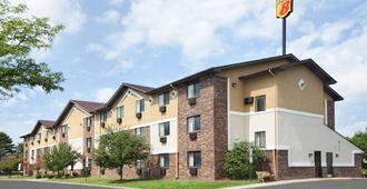 Super 8 by Wyndham Canton/Livonia Area - Canton - Building