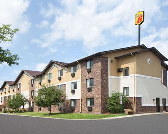 Super 8 by Wyndham Canton/Livonia Area - Canton - Edificio