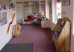 National 9 Inn Sand Canyon - Cortez - Lobby