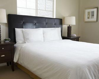 Oakwood at Merritt River - Norwalk - Bedroom