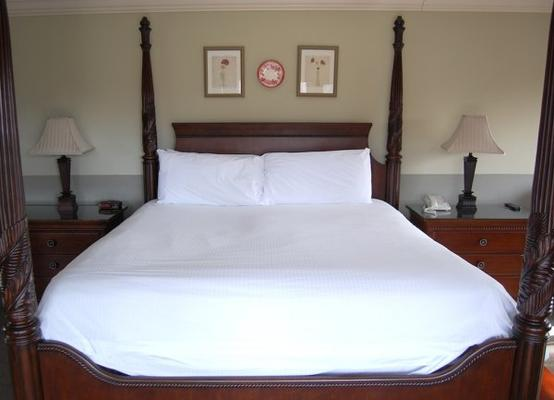 The Inn at Crestwood - Boone - Bedroom