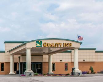 Quality Inn - Huntingburg - Building