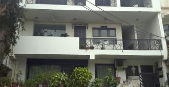 Pali Residency Noida - Noida - Building