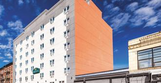 La Quinta Inn & Suites by Wyndham Brooklyn Central - Бруклин - Здание