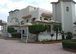 Cataract Pyramids Resort - Giza - Building