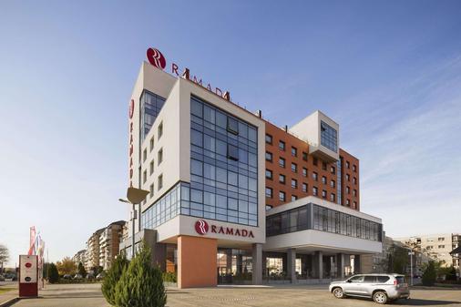 Ramada by Wyndham Oradea - Oradea - Building