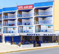 Hotel Blasón Junior