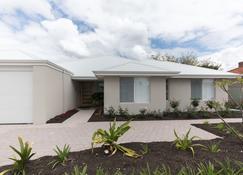 Epsom on Swan Bed & Breakfast - Perth - Building