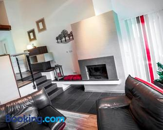 Feriendomizil Haus am See - Biersdorf - Living room