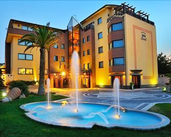 Hotel Lemi - Torrecuso - Building