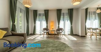 Vila Cotroceni Boutique Apartments - Bucharest - Living room