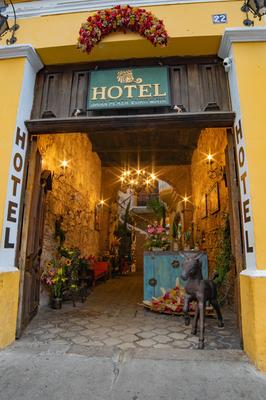 Hotel Gran Plaza Euromaya - Antigua