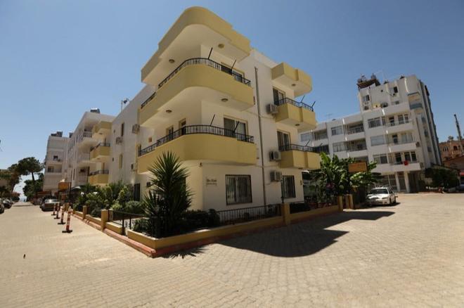 Kizkalesi Sari Konak Apart Otel - Kizkalesi - Building