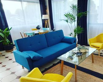 Hotel La Croisette & Restaurant Bistrot Gantier - Royan - Wohnzimmer
