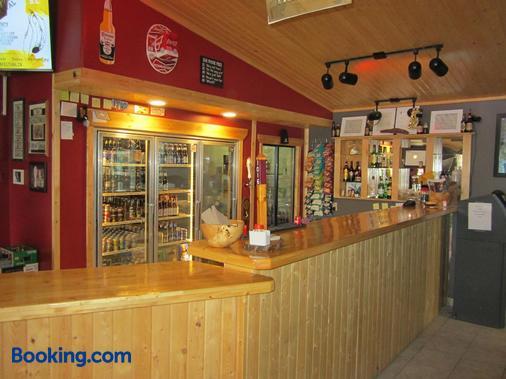 Alcan Motor Inn - Haines Junction - Bar