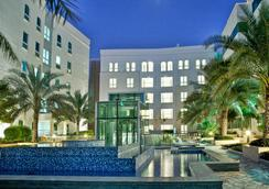Millennium Executive Apartments Muscat - Maskat - Pool