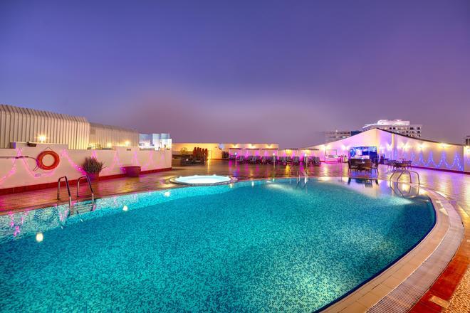Cassells Al Barsha Hotel - Dubai - Bể bơi