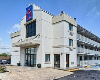 Motel 6 Philadelphia - Mt Laurel - Nj - Maple Shade - Building